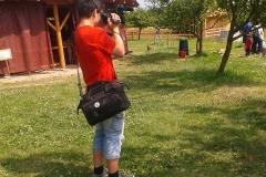 Filip Fryml natáčí v Ekocentru Horka. [foto: archiv TV Kolín]