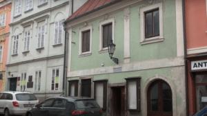 Koupě domů v ulici Na Hradbách